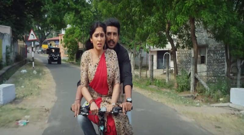 Ey Dummy Pattaasu Song Lyrics From Silukkuvarupatti Singam